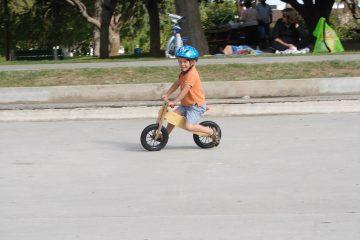 Rowerek biegowy dla dziecka – kiedy kupić?