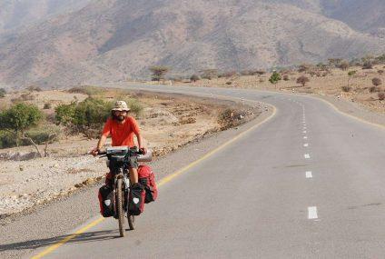 Himalaje, najwyższe przełęcze świata i 1000 km do przejechania. Wrocławski podróżnik rusza w rowerową wyprawę życia